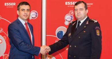 Mihai Brana-Honeywell Life Safety si Lt. Col Ing. Benone Gabriel Duduc