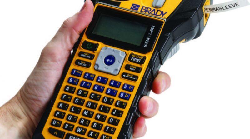 BRADY: Aveți nevoie de o imprimanta portabilă inteligentă? BMP™21-PLUS combină aspectul exterior compact cu caracteristicile inteligente de imprimare