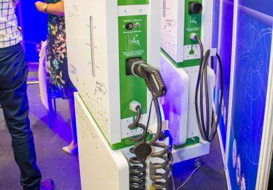 Primăria București va sprijini financiar cu 10000 lei(2150 euro) 500 de firme care vor monta stații de încărcare pentru vehicule electrice