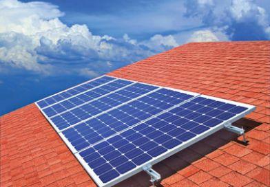 Montare panourilor fotovoltaice pe acoperiș se va putea face fără autorizație de construcție