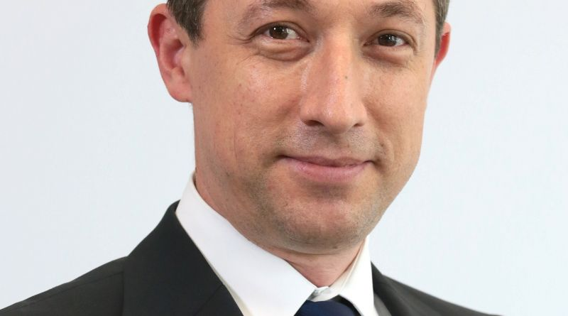 Lucian Enaru va prelua funcţia de Director General după 13 ani în cadrul echipei Schneider Electric