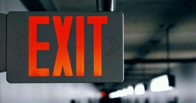 Ce alegere se potrivește cel mai bine situației dumneavoastră între iluminatul de urgență descentralizat și cel centralizat?