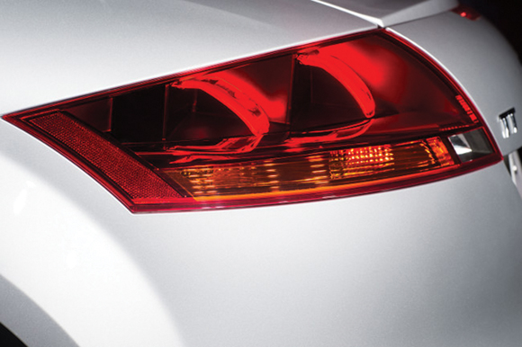 audi-tt-oled-side-closeup